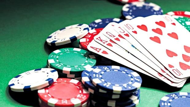 play poker on online casino